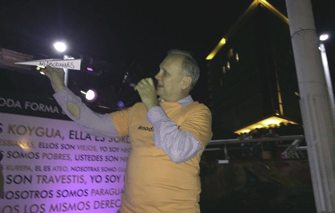 Muy comprometido, el Intendente de Asunción, Mario Ferreiro, se suma a la lucha contra la discriminación.